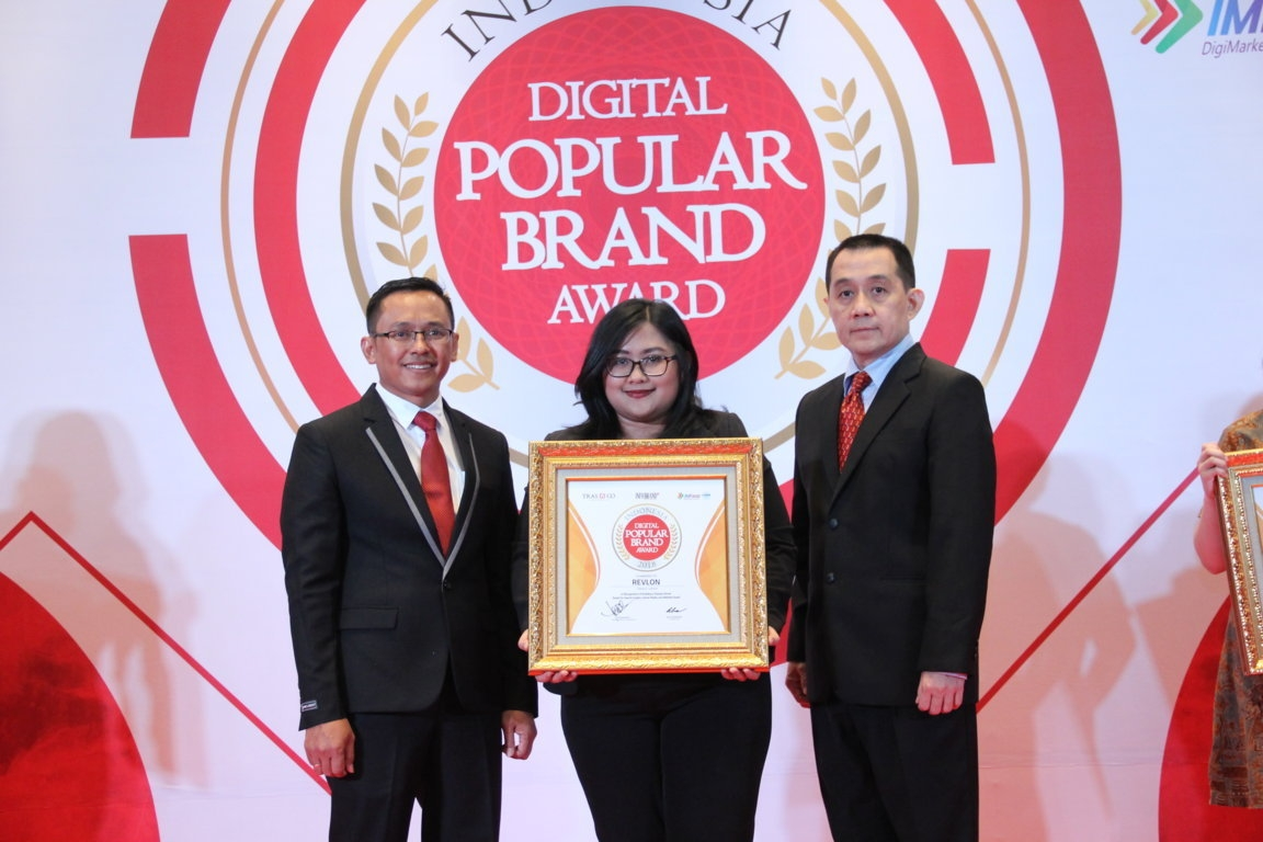 Indonesia Digital Popular Brand Award - Revlon