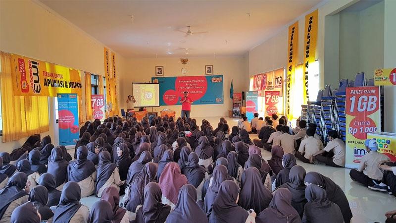 Siapkan Generasi Digital Anti-Hoax, Karyawan Indosat Ooredoo Latih Literasi Digital Dan Bijak Bersosial Media