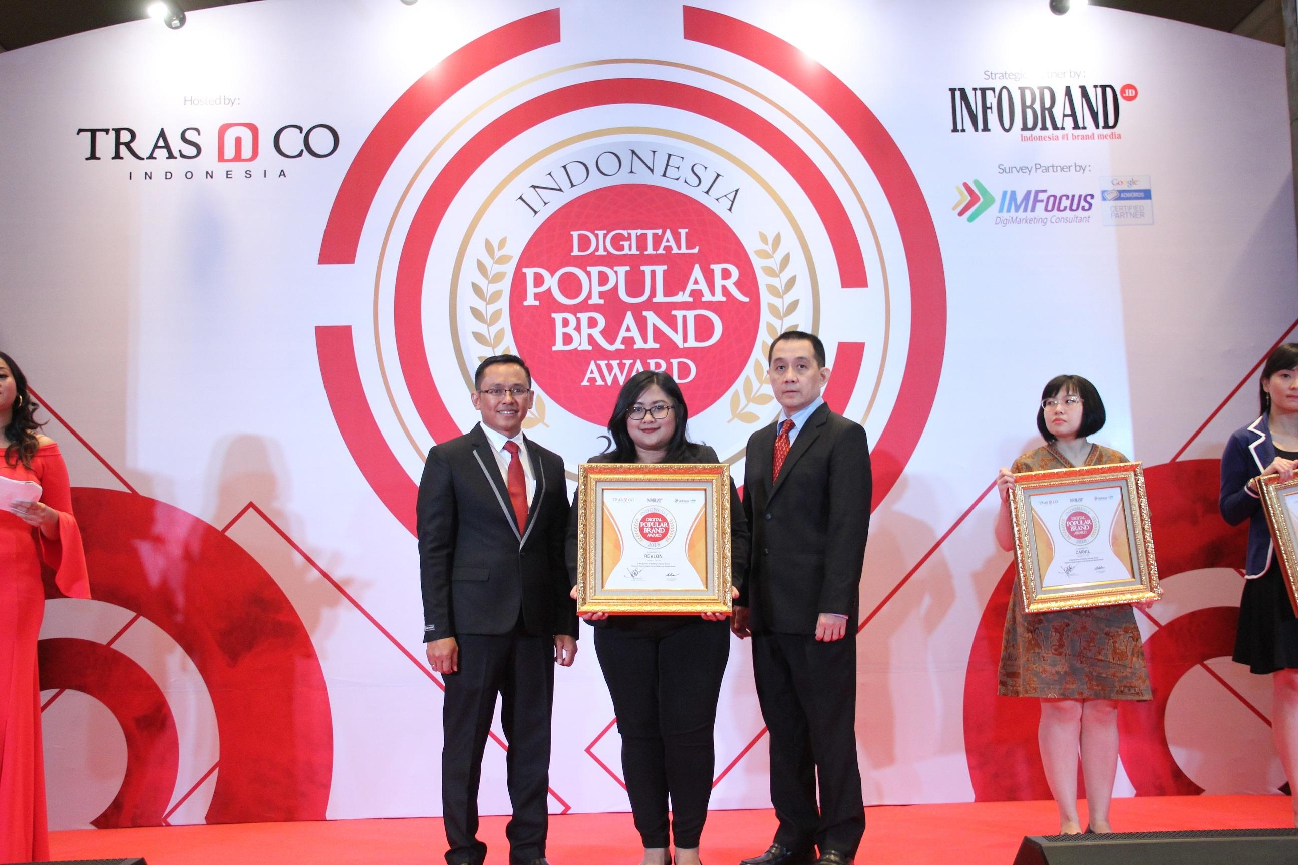 Revlon Bawa Pulang Penghargaan Indonesia Digital Popular Brand Award 2018, Karena Produknya Lebih Unggul Dari Yang Lain