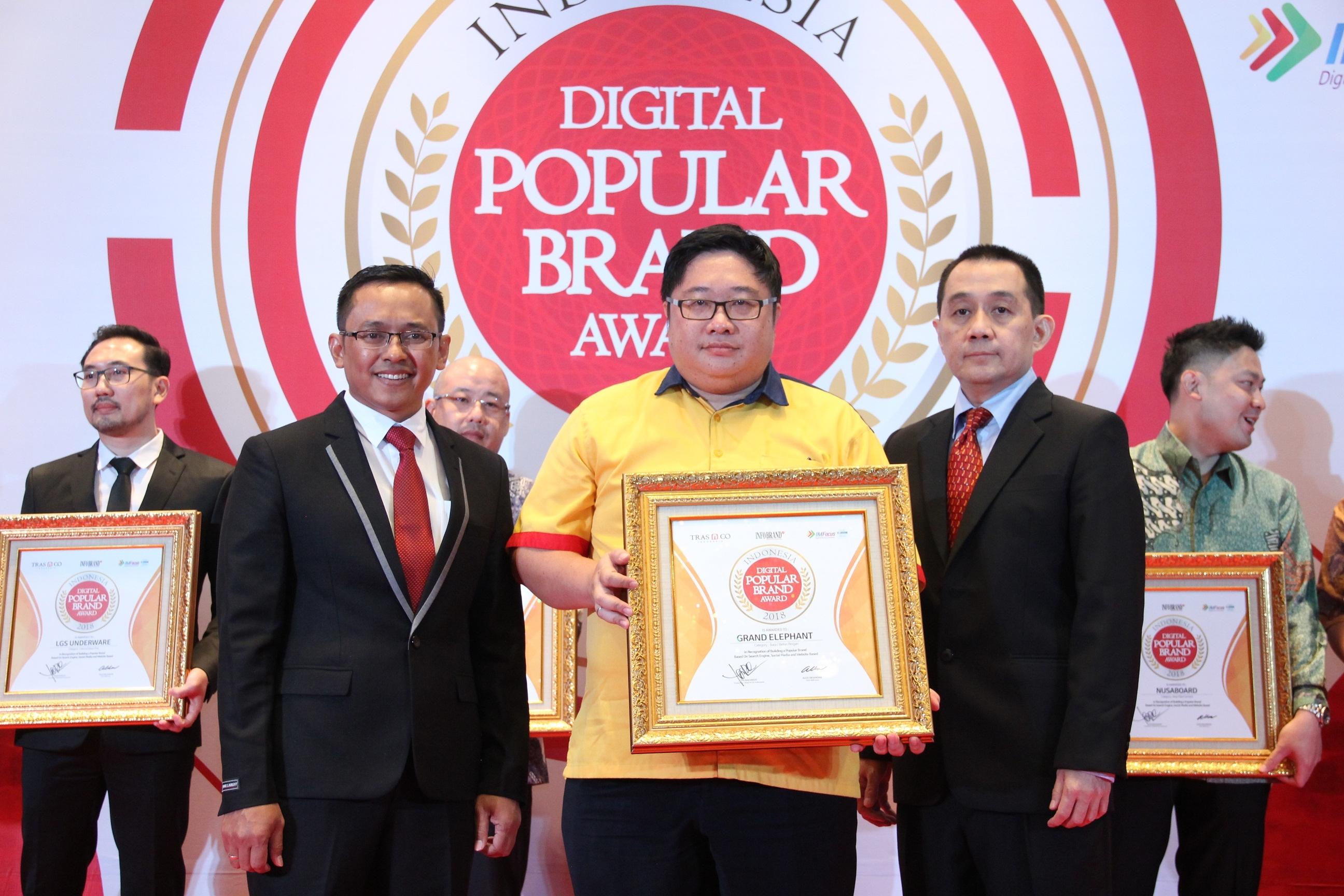 Grand Elephant Buktikan Mampu Kantongi Penghargaan Indonesia Digital Popular Brand Award 2018