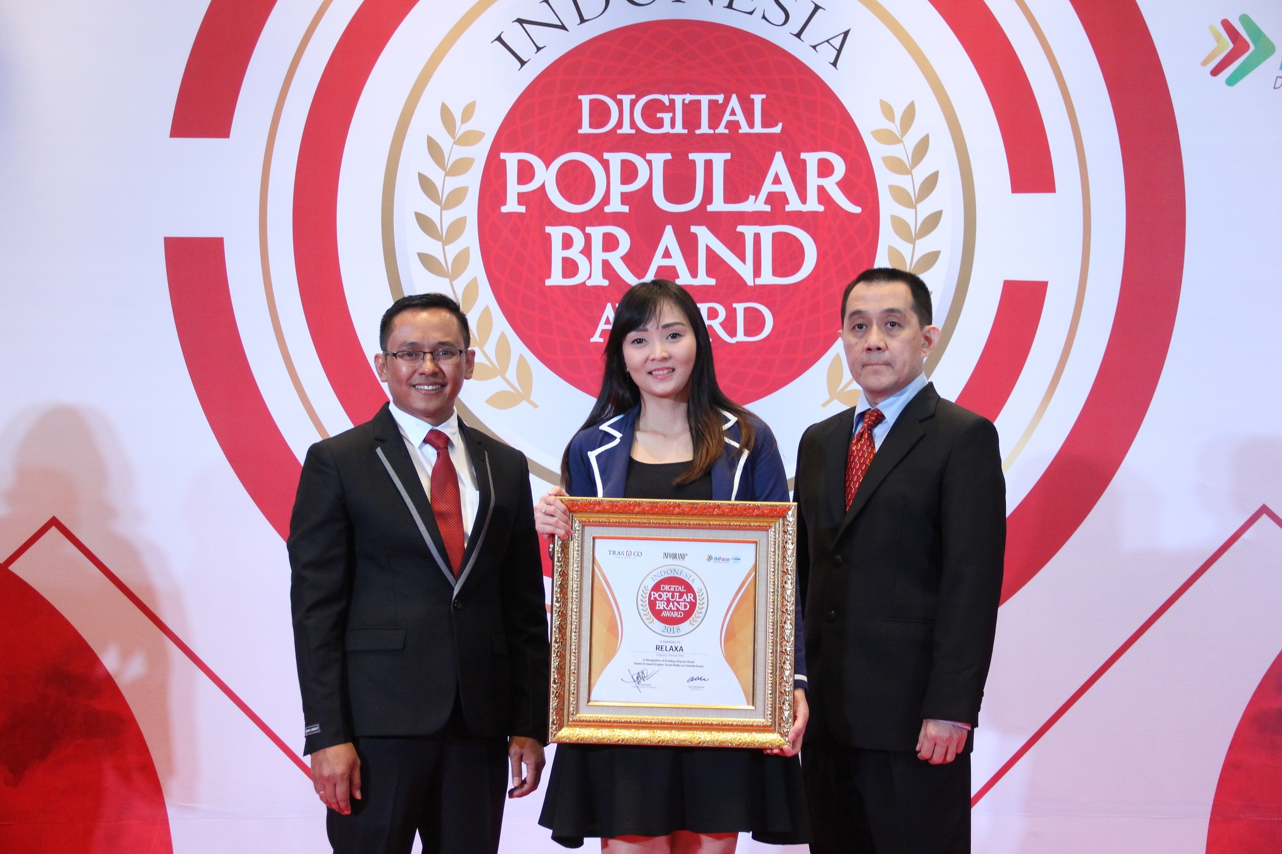 Relaxa Si Permen Wangi Raih Indonesia Digital Popular Brand Award 2018
