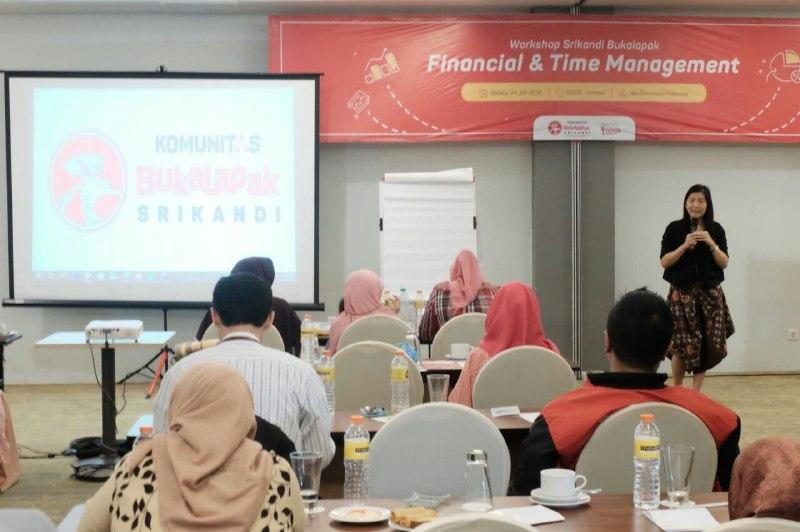 Komunitas Srikandi Bukalapak Makassar Gelar Talk Show  Financial And Time Management