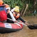 Sambut HUT BUMN, Menteri Rini Gelar Bedah Rumah dan Operasi Bersih Sungai Ciliwung