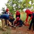 Pabrik Jatisari Sri Rejeki Hijaukan Sekolah dan Lingkungan Sekitar