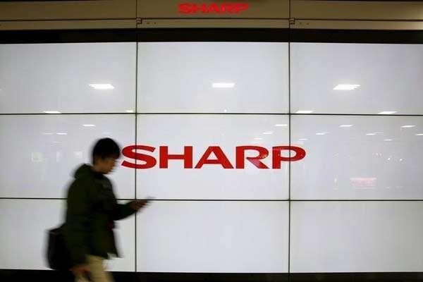 Sharp Indonesia Raih Empat Kategori Indonesia Digital Popular Brand Award 2018