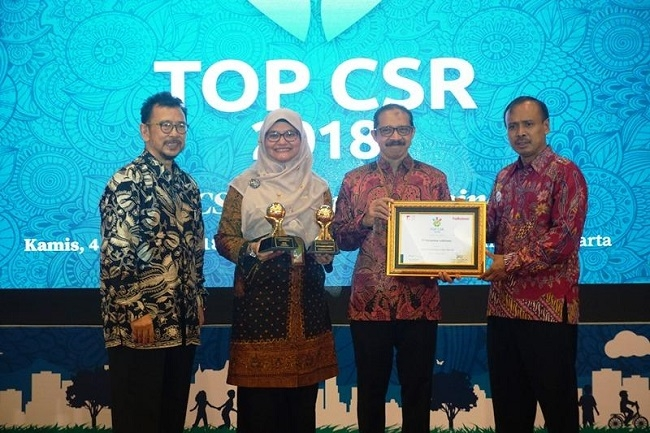 PT Pertamina Lubricants Sabet Dua Penghargaan TOP CSR 2018