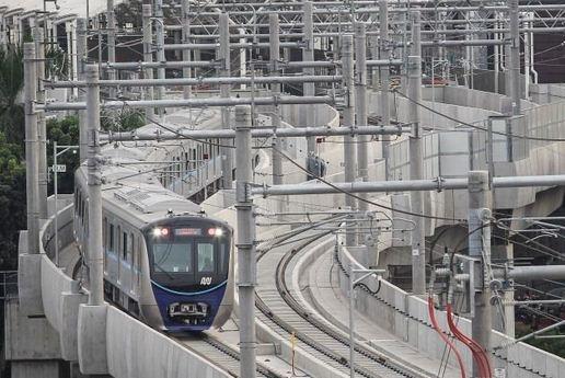 Mulai Hari Ini Tarif MRT Berlaku Normal, Ini Besarannya!