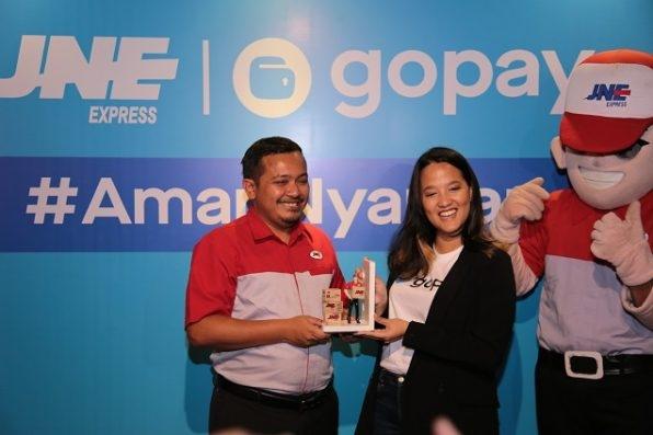 GoPay Hadir di Lebih dari 7000 Gerai JNE