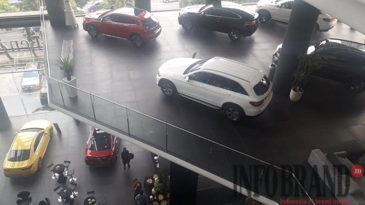 Mercedes-Benz Resmikan Dealer Mewah di Jakarta