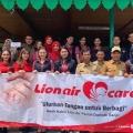 Lion Air Salurkan Bantuan ke Korban Banjir