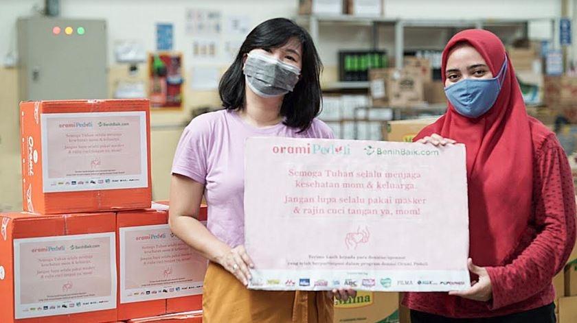 Orami Community Donasikan 1000 Paket Sembako serta Kebutuhan Bayi dan Anak kepada Para Ibu yang Terdampak COVID-19