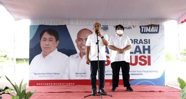 Bantu Ekonomi Masyarakat di Pangkalpinang, PT Timah Serahkan 780 Tenda dan Booth