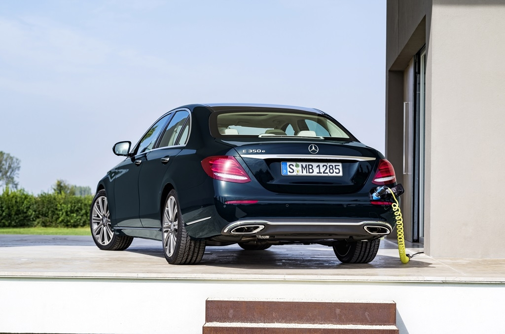 Mercedes-Benz Memperkenalkan EQ Pada Ajang IIMS 2018