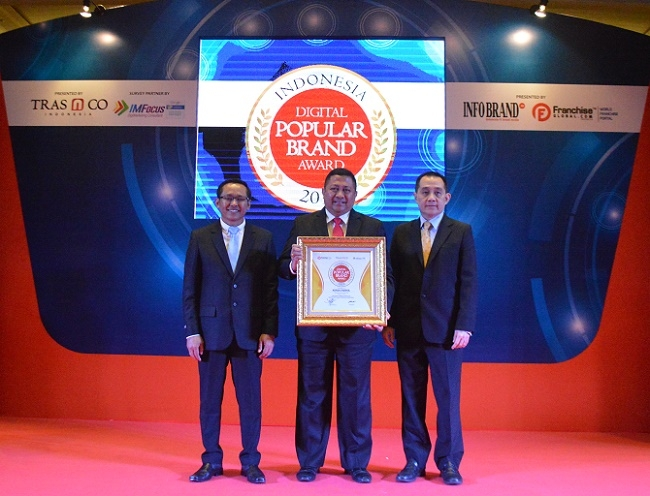 Apotek Kimia Farma Raih Indonesia Digital Popular Brand Award 2018