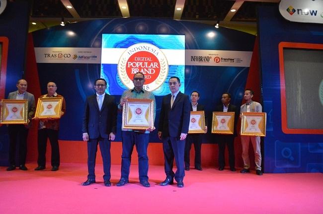 Apotek K-24 Sabet Penghargaan Indonesia Digital Popular Brand Award 2018