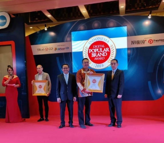 Shop&Drive Raih Indonesia Digital Popular Brand Award. (foto:dok.Shop&drive)
