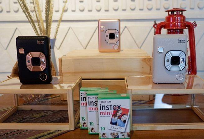 Fujifilm Luncurkan Kamera Hybrid Instax di Indonesia, Harganya?