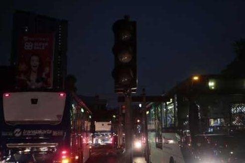 Banjir Gugatan Untuk PLN Pasca Blackout