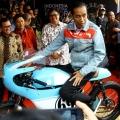 Sukses Meng-Endorse Presiden, Never Too Lavish Bidik Nike