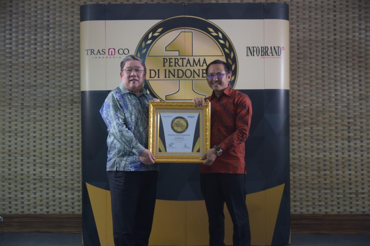 Hadirkan Sofa Plastik Knock Down Motif Rotan, Napolly Sukses Raih Penghargaan Pertama di Indonesia