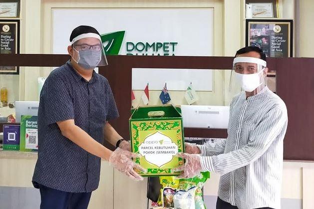 OPPO Menyerahkan Donasi Terakhir #SejernihDepanMata ke Dompet Dhuafa