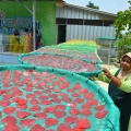 Menjaga Kerupuk Cinta Para Lansia Desa Tanjung Tetap Renyah