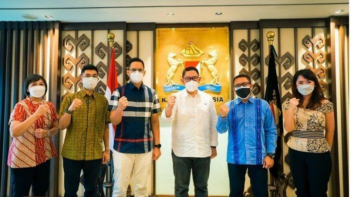 Percepat Proses Vaksinasi, KADIN & Suntory Garuda Beverage Donasikan Rp. 500 Juta