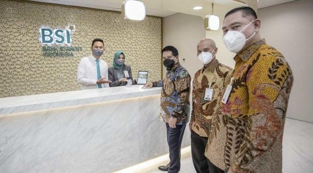 BSI Raih Penghargaan Bank Terbaik Sektor Bank Syariah