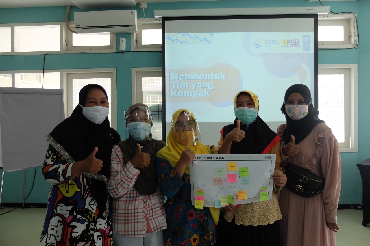 AIS Forum Gandeng PJB UP Paiton Luncurkan Womenpreneurship Support Program