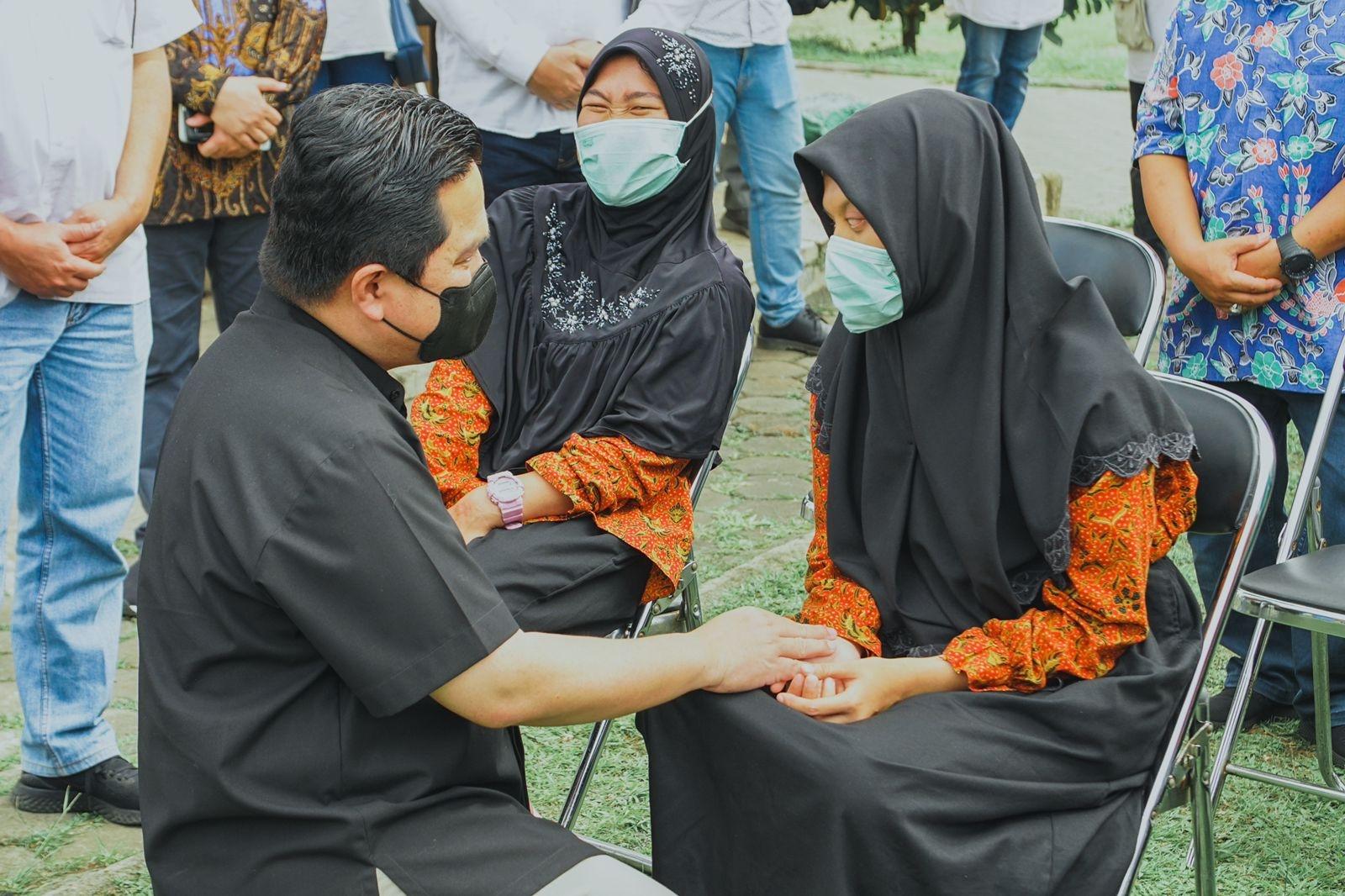 Erick Thohir Kunjungan ke Binaan Penyandang Disabilitas PLN di Bandung